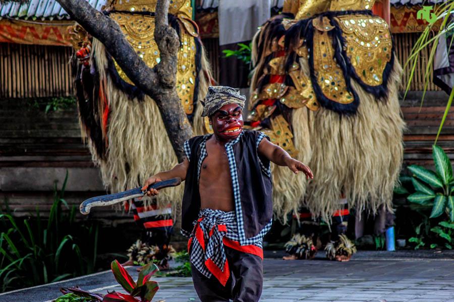 03_Barong-Dance_Nice-Tour-Bali