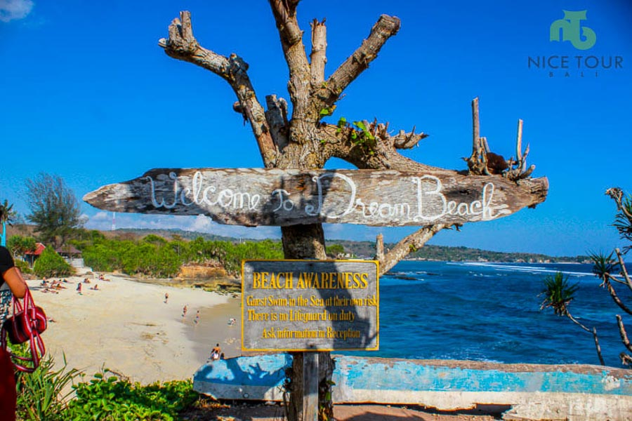 Photo point at Dream Beach, Nusa Lembongan Island