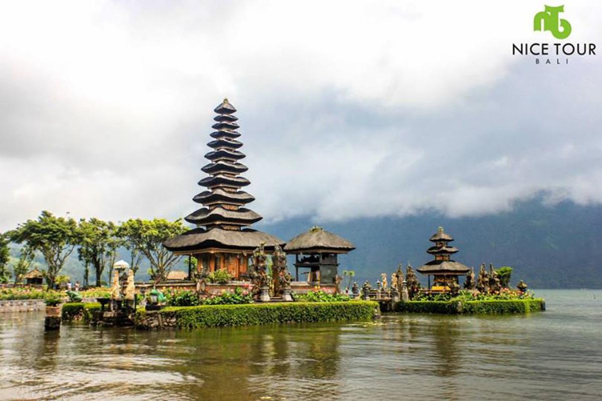 Bali Full Day Tour | Bedegul, Tanah Lot Temple