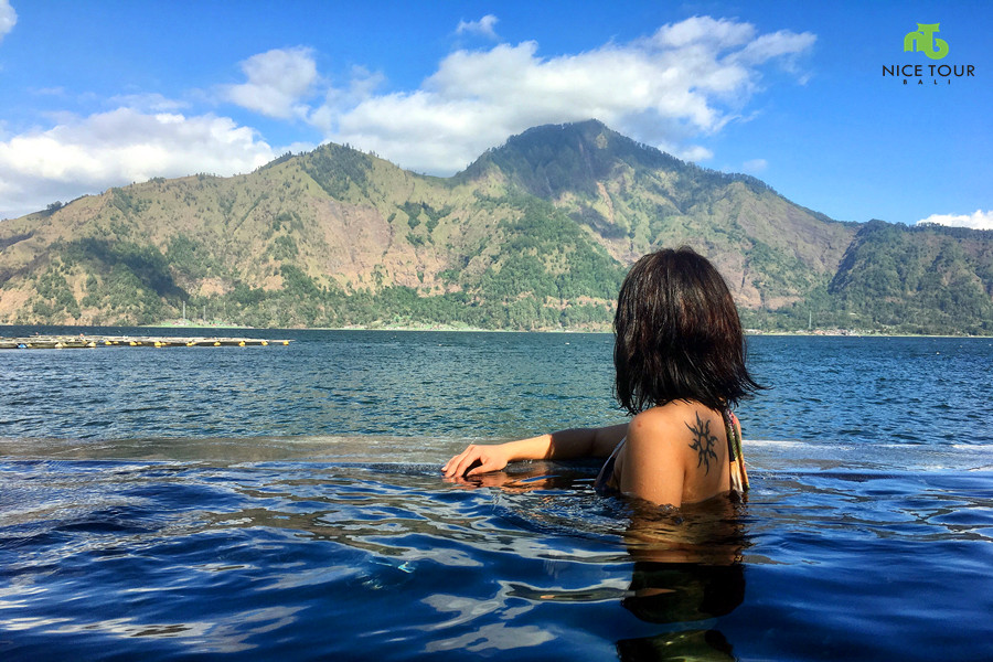 Bali Hot Springs Tour | Soaking in hot spring & Enjoy Bali's Volcano view!
