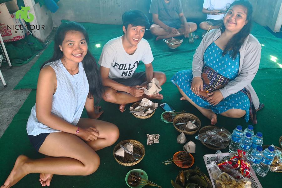 Best Local Food Bali – Sate Babi (Grilled Pork Skewer)