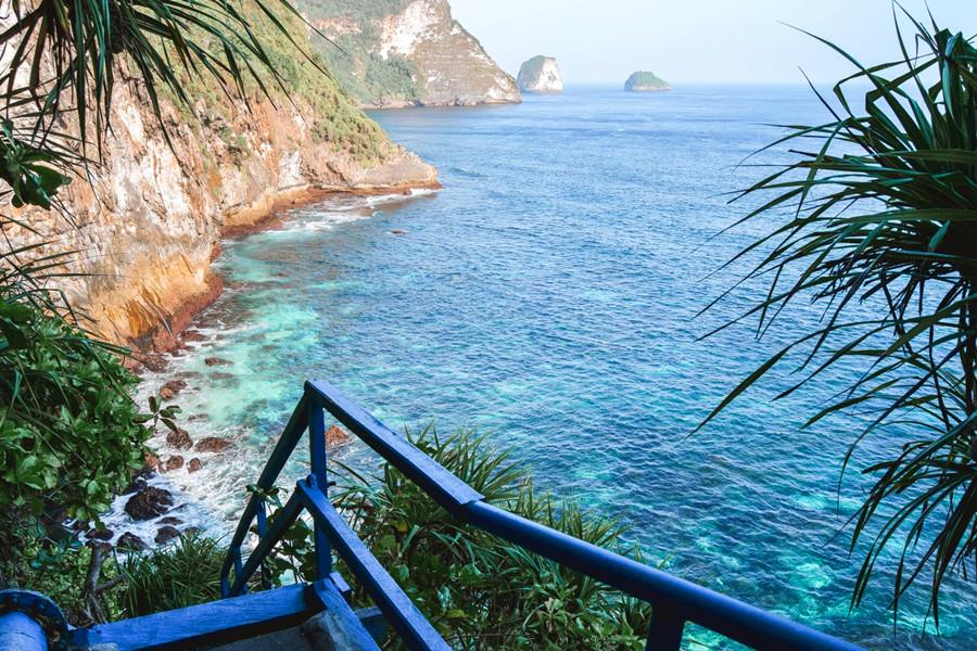 Nusa Penida Peguyangan Waterfall & Banah Cliff Point Day Tour Bali